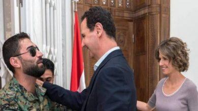 """صورة جنود سوريون """"يتواسطون فيس بوك"""" للوصول للأسد"""