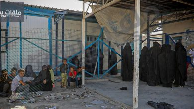 """صورة مخيم الهول.. """"ثبوتيات"""" تعلق خروج عائلات سورية"""
