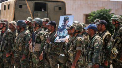 صورة إسرائيل تحذر قادة في الجيش السوري وتصيب أحدهم بجروح بليغة