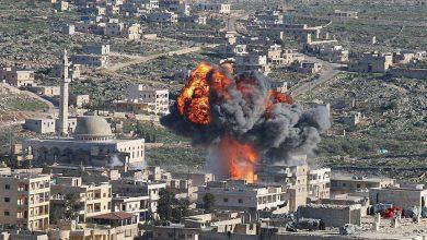 صورة بعد ترويجها بالتحضير لهجوم كيميائي مقاتلة روسية تقصف جنوب إدلب.