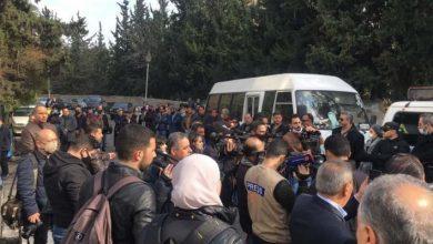 صورة بغياب رسمي تام.. سوريون يشيعون حاتم علي
