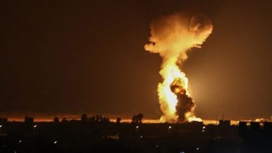 صورة قصف إسرائيلي يخلف قتلى وجرحى للمليشيات الإيرانية في دير الزور