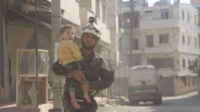 صورة العثور على جثة طفل نازح مقتول في إدلب