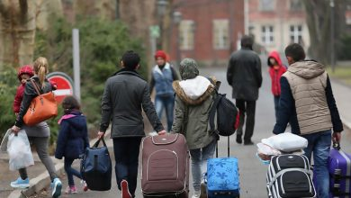 صورة الدنمارك تواصل الضغوط على اللاجئين السوريين لإعادتهم
