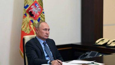 """صورة """"بوتين"""" يقر قانونا يمدد لولايته"""