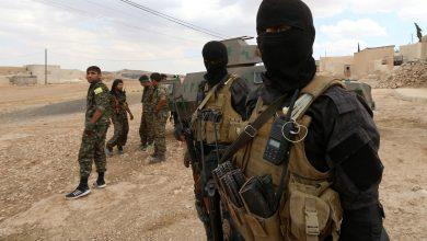 صورة بدعم طيران التحالف.. قسد تعتقل متهمين بالانضمام لداعش