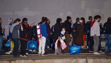صورة دفعة جديدة من اللاجئين تصل ألمانيا