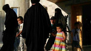 """صورة الإدارة الذاتية تُسلم العشرات من عوائل """"داعش"""" إلى أوزباكستان"""