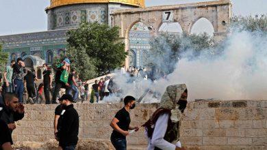صورة القوات الإسرائيلية تنسحب من المسجد الأقصى بعد اقتحام دام ساعات