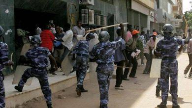 صورة مظاهرات في العاصمة السودانية الخرطوم تتجه للقصر الرئاسي