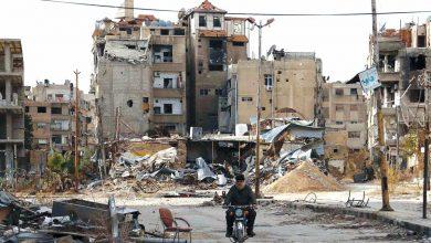صورة محافظ ريف دمشق يطرد وفد أهالي حرستا بعد وعوده