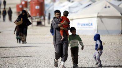 """صورة مطالبات لأخصائيين نفسيين بإعادة أطفال مقاتلي """"داعش"""" لفرنسا"""