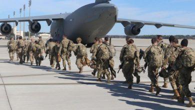 صورة واشنطن تنسحب من أكبر قاعداتها بأفغانستان.. وطالبان تعلق
