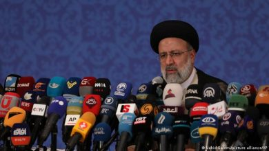 صورة الرئيس الإيراني الجديد يطالب بخروج القوات الأجنبية من سوريا