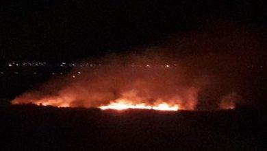 صورة حرائق في القنيطرة بقنابل ضوئية أطلقتها إسرائيل