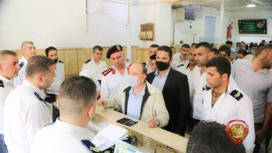 صورة رغم وعود سابقة لم تُنفذ.. الداخلية السورية تعد بإنهاء أزمة الجوازات