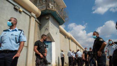 صورة الجيش الإسرائيلي يعتقل أقارب الأسرى الفارين من سجن جلبوع