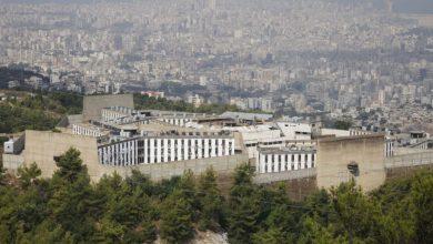 صورة لبنان.. سجناء سوريون يدينون تسليم رفاقهم لسلطات دمشق