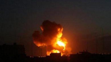 صورة قصف بطيران مجهول الهوية على مواقع إيرانية في البوكمال